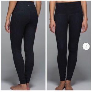 Lululemon sz 8 roll over high or low rise leggings